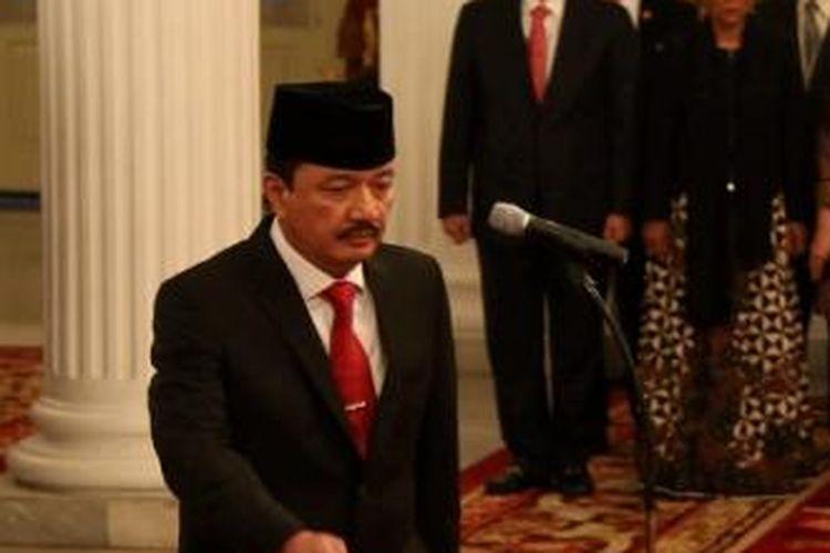 Jenderal Budi Gunawan saat dilantik sebagai Kepala Badan Intelijen Negara oleh Presiden Joko Widodo di Istana Negara, Jakarta, Jumat (9/9). Ia menggantikan Sutiyoso. Kompas/Wisnu Widiantoro (NUT)