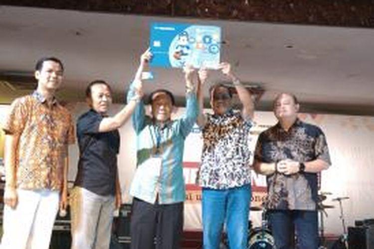 Peluncuran Kartu Flazz Kompasiana pada acara Kompasianival 2014, di Gedung Sasono Budoyo, Taman Mini Indonesia Indah, Jakarta, Sabtu (22/11/2014).