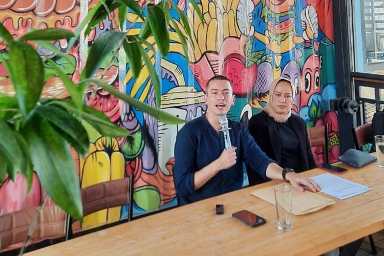 Pasangan perseorangan bakal calon Walikota dan Wakil Walikota Batam 2020, Rian Ernest dan Yusiani Gurusinga berkomitmen akan memberikan kejelasan untuk keberadaan taxi online di Batam, Kepulauan Riau (Kepri).