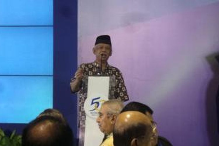 Mantan Rektor UIN Syarif Hidayatullah Azyumardi Azra saat menghadiri perayaan ulang tahun ke-50 Kompas di Jakarta, Minggu (20/6/2015).
