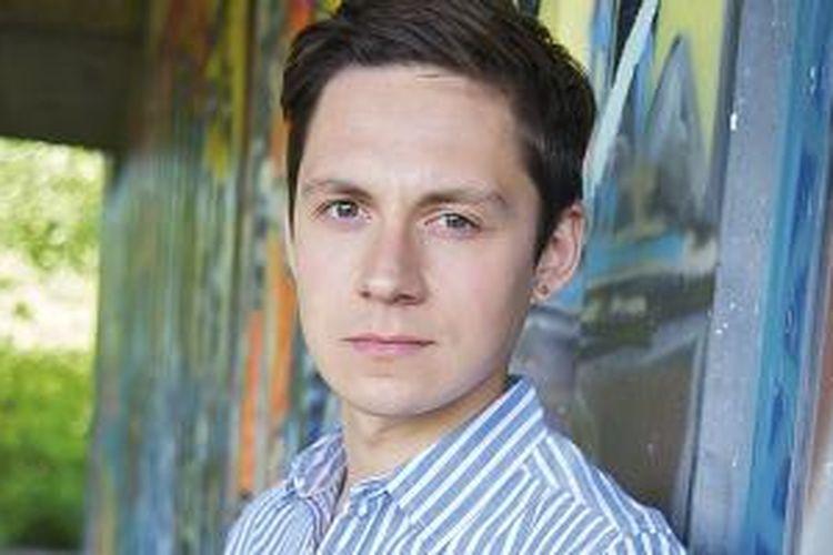 James Downs (25) adalah seorang mahasiswa dari Cardiff, Inggris yang mengalami gangguan pola makan.