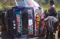 Bus yang Ditumpangi 19 Siswa SD Terbalik Saat Hendak Berwisata