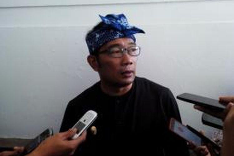 Wali Kota Bandung Ridwan Kamil berencana membekukan trayek angkutan kota 05 pascakejadian pemukulan sopir angkot terhadap penumpang beberapa waktu lalu.