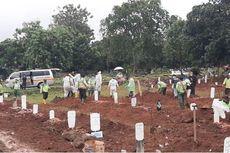 Penggali Makam di TPU Bambu Apus Ditambah Seiring Lonjakan Kematian Akibat Covid-19