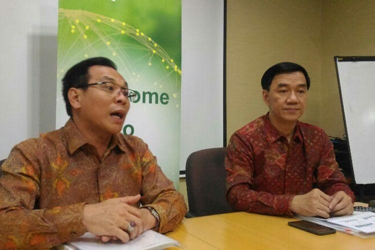 Direktur Kalbe Bernadus Karmin Winata (kiri) dan Presiden Direktur Kalbe Vidjongtius di Gedung Bintang Toedjoe, Selasa (5/6/2018).