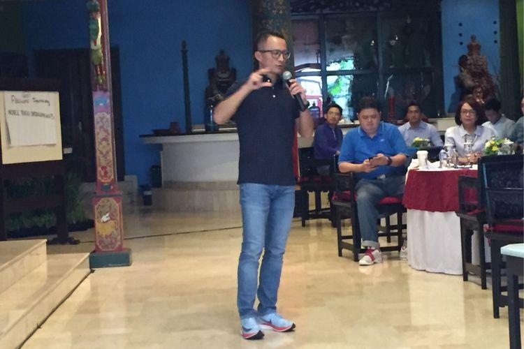 Direktur Utama Mandiri Sekuritas Silvano Rumantir saat memberi pemaparan di Malang, Jawa Timur, Jumat (10/11/2017).