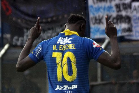3 Catatan Statistik Ezechiel Ndouassel bersama Persib Bandung