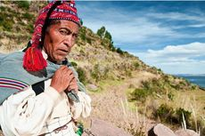 Kisah Para Pria Peru Buktikan Kejantanan dengan Merajut