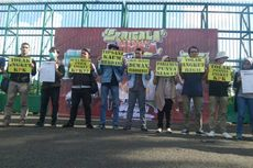 Tolak Angket KPK, Aliansi Anak Muda Antikorupsi Demo di Depan Gedung DPR