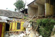 Dinding Kontrakan di Tangsel Ambruk, Warga Duga Akibat Pergeseran Tanah