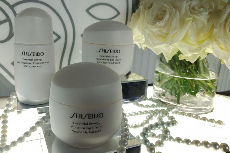 Rangkaian produk Shiseido essential energy, terdiri dari moisturizing cream, moisturizing gel cream dan day emulsion.