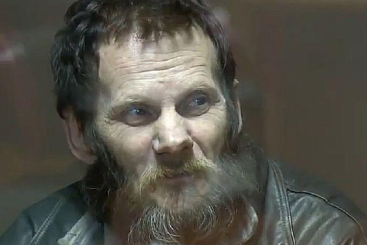 Eduard Selevnev, seorang kanibal Rusia dijatuhi penjara seuimur hidup setelah terbukti membunuh dan memakan tiga temannya pada periode Maret 2016 sampai Maret 2017.