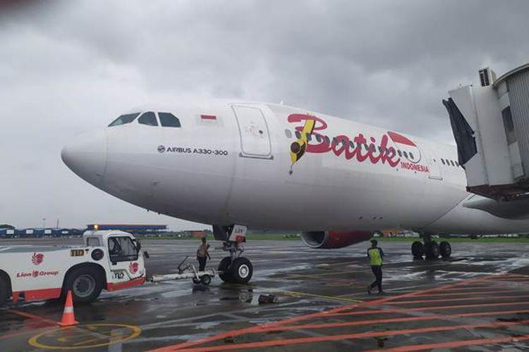 Pesawat Batik Air Airbus A330-300 yang terbang ke Wuhan untuk program Pemerintah evakuasi WNI