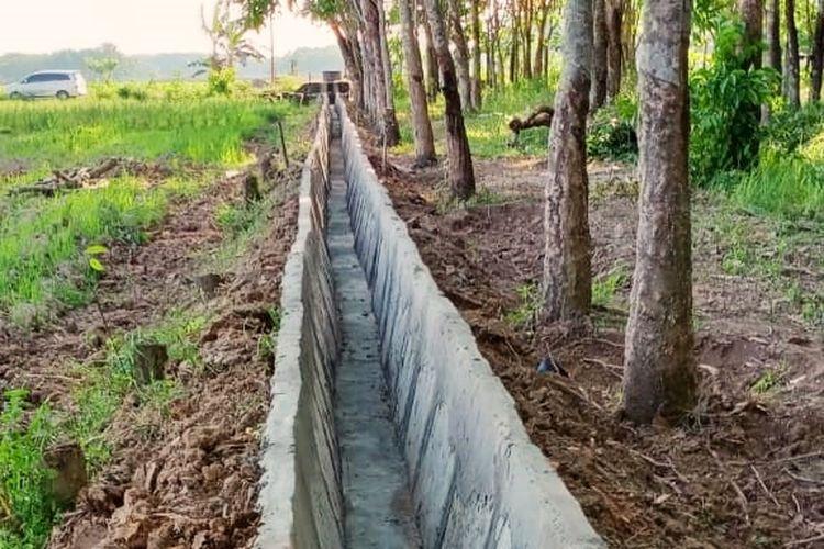 Pembangunan Rehabilitasi Jaringan Irigasi Tersier (RJIT) dari Kementerian Pertanian (Kementan) untuk meningkatkan produktivitas dan Indeks Pertanaman (IP) petani.