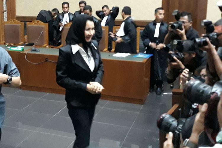 Bupati nonaktif Kutai Kartanegara Rita Widyasari di Pengadilan Tipikor Jakarta, Rabu (21/2/2018).