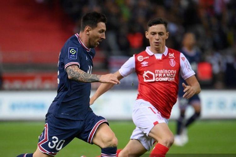 Lionel Messi melakoni debutnya di Paris Saint-Germain dalam laga pekan keempat Ligue 1 2021-2022 melawan Stade de Reims di Stadion Auguste Delaune, Senin (30/8/2021) dini hari WIB.
