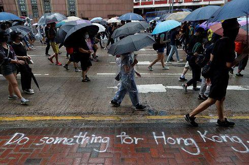 Aktivis Pro-Demokrasi Hong Kong Dikeroyok Orang-orang Tak Dikenal Pakai Palu