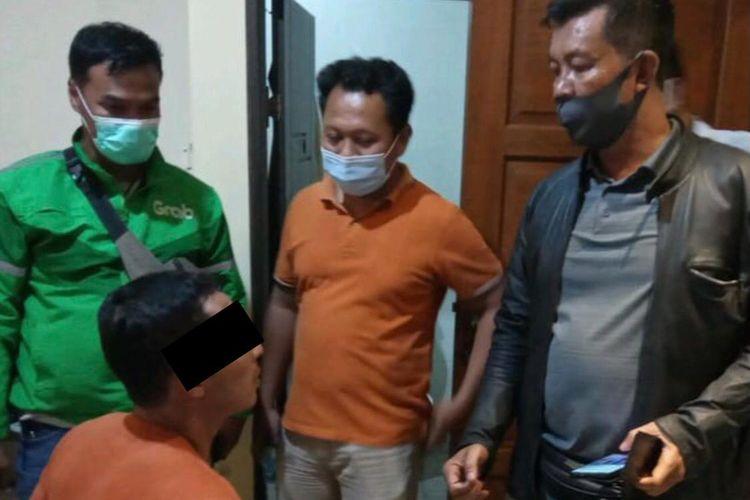 Polisi menangkap pencuri laptop di Rumah Sakit Zahirah Jagakarsa, Jakarta Selatan pada Minggu (4/4/2021) malam.