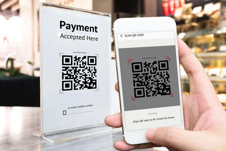 Iustrasi transaksi nontunai saat belanja offline