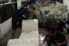 Jasa Pembersih Springbed Raih Omzet Belasan Juta dalam Seminggu Pascabanjir Jabodetabek
