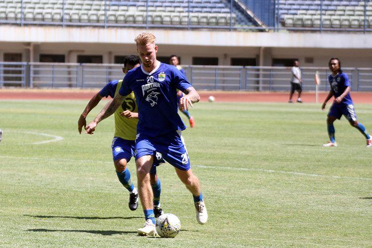 Pemain Persib Bandung, Kevin van Kippersluis.