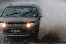 Mobil Matik Lebih Rentan Terjang Banjir?