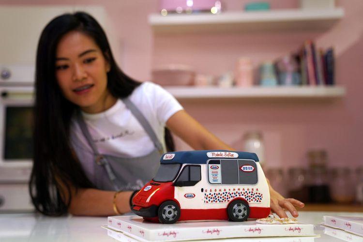 Kue ilusi dari toko kue di Hong Kong.
