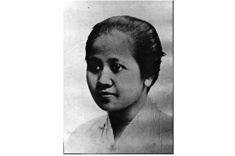 Raden Ajeng Kartini. Hari kelahirannya, 21 April diperingati sebagai Hari Kartini setiap tahun.
