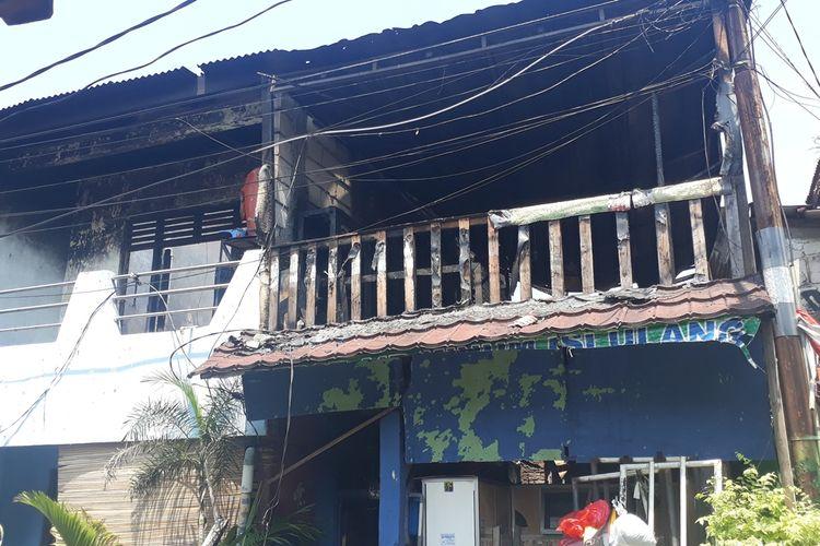 Salah satu rumah yang terbakar di Jalan Otista Raya, RT 08, 09, dan 012, RW 02, Kelurahan Bidara Cina, Kecamatan Jatinegara, Jakarta Timur, Selasa (22/10/2019).