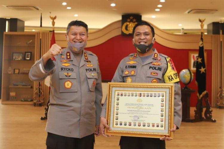 Kapolres Wonogiri AKBP Christian Tobing saat menerima penghargaan di Gedung Borobudur Mapolda Jateng.
