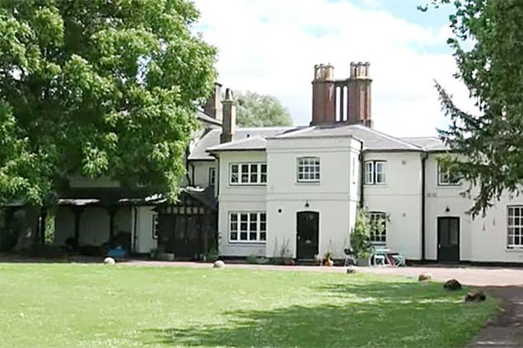 Frogmore House, rumah pasangan Meghan-Harry dipasang pagar baru ketiga setelah terjadi masalah keamanan.