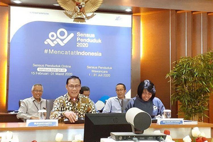 Kelapa BPS Suhariyanto memaparkan pertumbuhan ekonomi RI sepanjang 2019 di Gedung BPS, Jakarta, Rabu (5/2/2020).