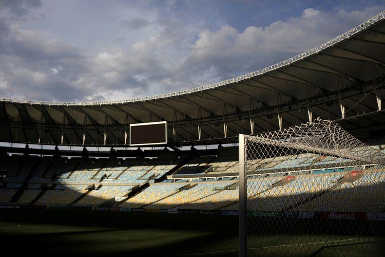 Stadion Maracana di Rio de Janeiro akan dipakai sebagai salah satu rumah sakit darurat, untuk menangani pasien virus corona di Brasil. Stadion ini adalah salah satu yang legendaris di Brasil, dan kerap dipakai timnas Brasil berlaga.