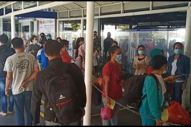 Sebanyak enam Tenaga Kerja Indonesia (TKI) dari 293 yang masuk Batam dari Malaysia dilarikan ke RPTC Kemensos RI di Tanjungpinang. Hal ini dilakukan karena keenamnya dalam keadaan rentan atau dalam keadaan sakit.