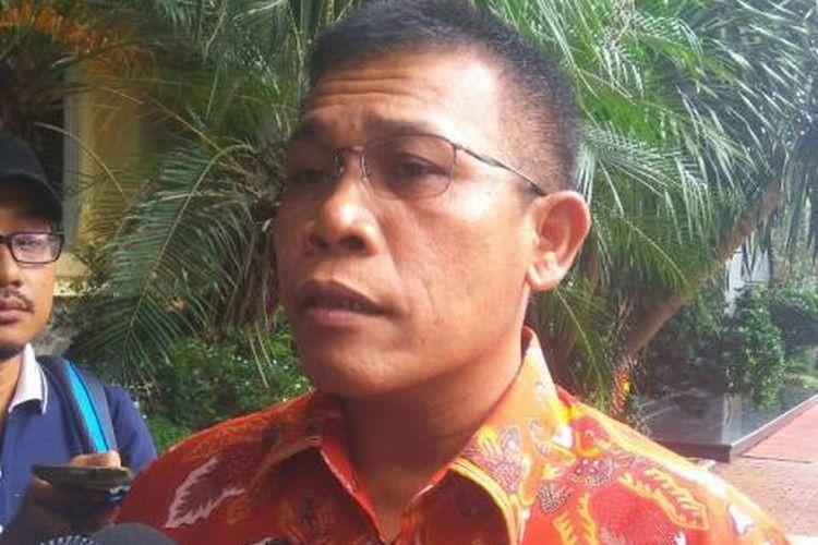 Politikus PDI-P Masinton Pasaribu mengunjungi Mapolda Metro Jaya, Senin (9/1/2017).