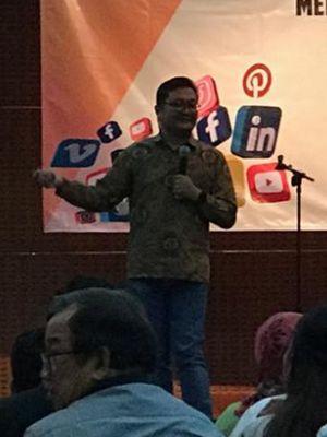 Pendiri PT Media Kernels Indonesia Ismail Fahmi di Gedung Lembaga Ilmu Pengetahuan Indonesia (LIPI), Jakarta Pusat, Senin 26/11/2018).