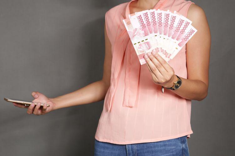 Ilustrasi pinjaman online, perempuan rentang terjerat pinjol.