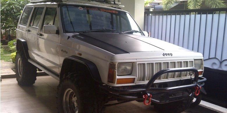 Jeep Cherokee 1994 milik Eko Prabowo.