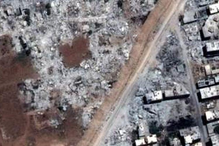 Organisasi HAM Human Right Watch (HRW) memperlihatkan citra satelit yang menampilkan kawasan permukiman warga sipil Suriah di kota Damaskus dan Hama yang dibumihanguskan militer karena penduduknya dianggap melawan Presiden Bashar al-Assad.