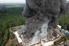 Sebuah Pabrik di Purwakarta Terbakar