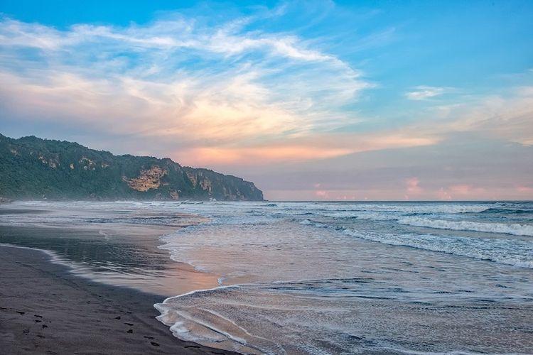 Ilustrasi pantai - Pantai Parangtritis di Kabupaten Bantul, Yogyakarta (Shutterstock/Peter Gueth).