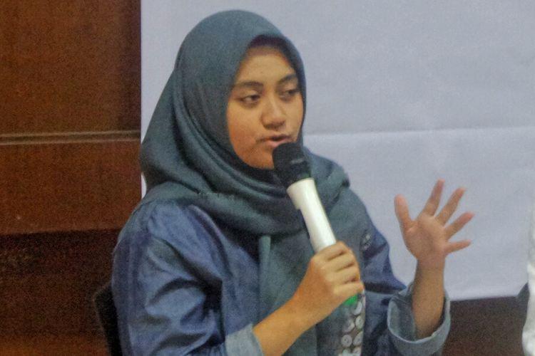 Peneliti dari Perkumpulan untuk Pemilu dan Demokrasi (Perludem) Khoirunnisa Agustyati saat berbicara dalam diskusi bertema 'Merespon Pembahasan RUU Pemilu: Mewujudkan RUU Pemilu yang Adil dan Proporsional' di kantor Wahid Institute, Matraman, Jakarta Pusat, Kamis (2/2/2017).