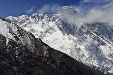 Gletser Everest Mencair, Sejumlah Mayat Muncul ke Permukaan