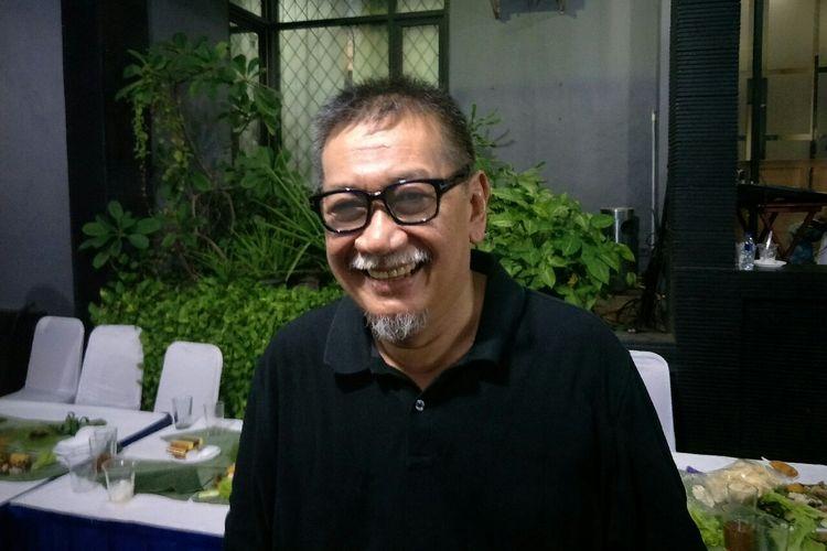 Artis senior Deddy Mizwar saat ditemui dalam sebuah acara di kawasan Pondok Kelapa, Jakarta Timur, Senin (27/5/2019).