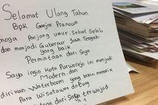 Kartu Pos Para Pelajar Ini Bikin Ganjar Senyam-Senyum Sendiri...
