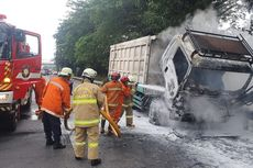 Dump Truck Muatan Batu Bara Terbakar di Tol Lingkar Luar Jakarta