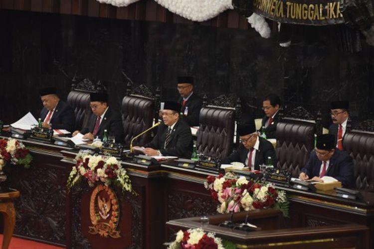 Ketua DPR RI Bambang Soesatyo saat membacakan pidato pada Rapat Paripurna Pembukaan Masa Persidangan I Tahun Sidang 2019-2020