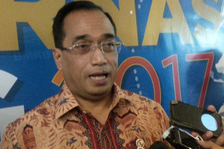 Menteri Perhubungan Budi Karya Sumadi saat ditemui di Hotel Mercure Ancol Jakarta, Selasa (25/4/2017).