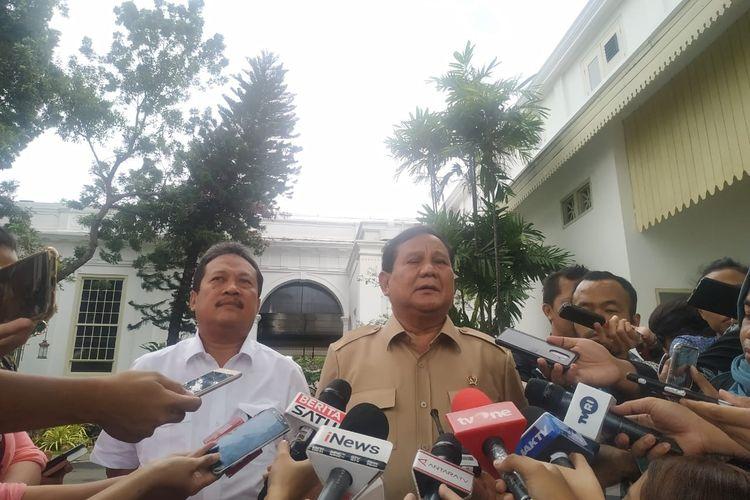 Menteri Pertahanan Prabowo Subianto bersama wakilnya Sakti Wahyu Trenggono di Istana, Kamis (9/1/2020).