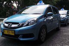 Sopir Taksi Blue Bird Tak Bisa Istirahat karena Promo Gratis
